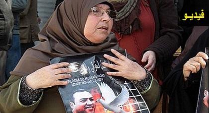 والدة المعتقل جلول تتساءل: هل حقوق الإنسان تعني اعتقال كل من طالب ببناء مستشفى وجامعة وتوفير الشغل