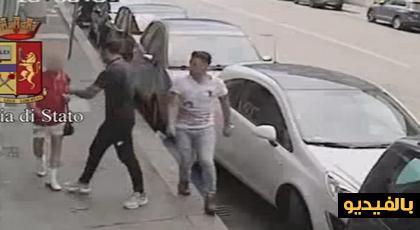فيديو مثير لشابين مغربيين يعتديان على شيخ مسن بإيطاليا