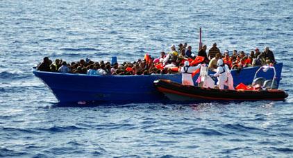 إنقاذ 339 مهاجرا من الغرق في البحر بين المغرب وإسبانيا