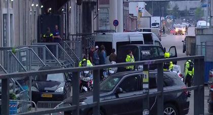 هولندا.. إلغاء حفل موسيقي بعد العثور على  شاحنة إسبانية محملة بقوارير غاز
