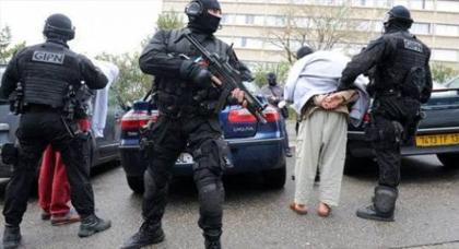 فرنسا تطرد ثلاثة مغاربة من أرضيها بسبب صلتهم بتيار متشدد