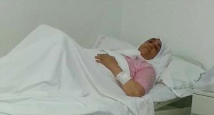 """والدة """"ناصر الزفزافي"""" تجري عملية جراحية لاستئصال ورم سرطاني"""