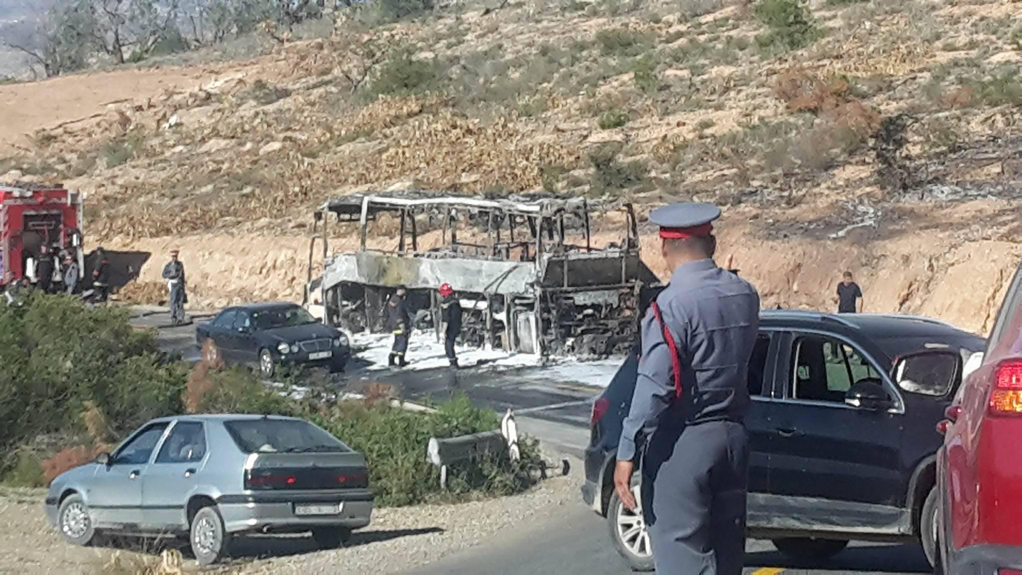 حريق مهول يحول حافلة على متنها عشرات المسافرين إلى كومة نار حديدية نواحي الدريوش