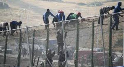 بعد تزايد محاولات اختراق الحدود الوهمية.. هذه خطة السلطات الاسبانية لمراقبة  المهاجرين السريين