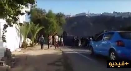 بالفيديو.. انقلاب سيارة أمنية تابعة للشرطة وسط الحسيمة