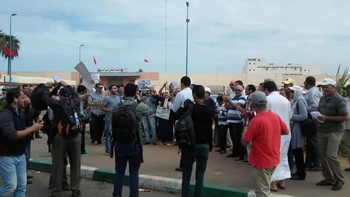بالصور.. وقفة إحتجاجية أمام سجن عكاشة للمطالبة بإطلاق سراح معتقلي الريف
