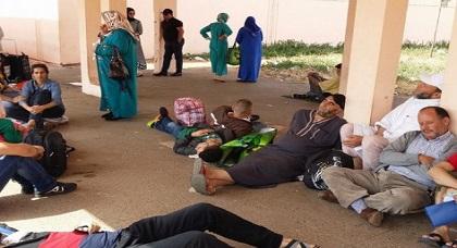 """عائلات نشطاء """"حراك الريف"""" تجدد مطالبتها بترحيل المعتقلين للسجن المحلي بالحسيمة"""