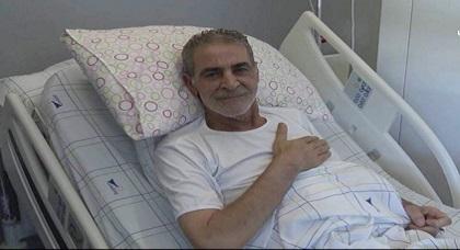 الفنان ميمون الوجدي يغادر المستشفى صوب وجدة بعد تحسن حالته الصحية