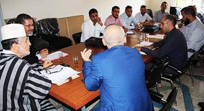 اجتماع الأئمة المرشدين بمقر المجلس العلمي بالناظور لمناقشة هذه المحاور