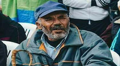 """سفير حراك الريف """"عزي أحمد"""" المشتهر بسلته وعكازه يمثل أمام المحكمة"""