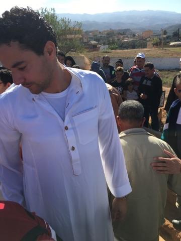 صور.. عثمان بقال اللاعب السابق  لنادي بي آس في أيندهوفن يحل بتمسمان لهذا السبب
