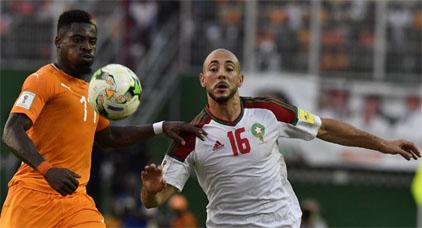صحيفة هولندية تستفز المغاربة ...تأهل الأسود للمونديال بفضل الهولنديين أمرابط وزياش