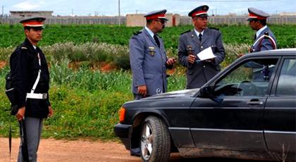 الدريوش.. عناصر الدرك الملكي تحجز سيارتين تحمل لوحات ترقيم مزيفة وسط المدينة