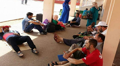 """نشطاء في حراك الريف يطلقون هشتاغ فايسبوكيا لدعم أقارب وأسر معتقليهم بعد توقيف """"حافلة"""" مجلس اليزمي"""