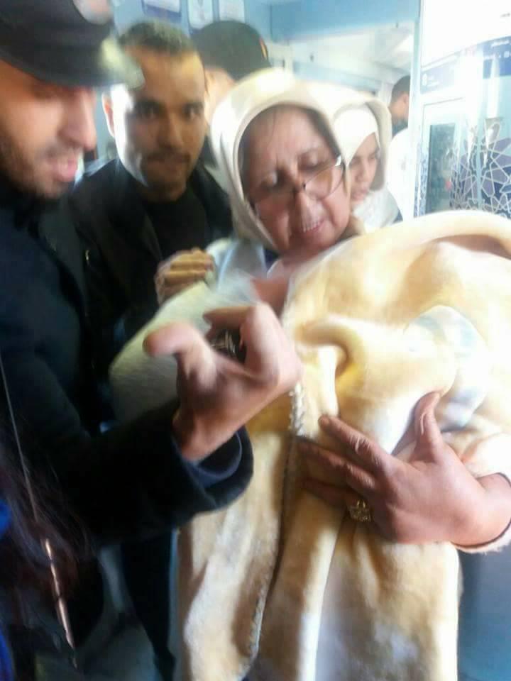 بالصور.. مسافرة تضع مولودها على متن القطار المتوجه من وجدة إلى الدار البيضاء