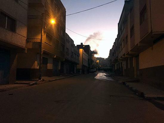 حي سكني بالعروي ينجو من الكارثة و المواطنون يحملون المسؤولية لمصالح الجماعة والوقاية المدنية