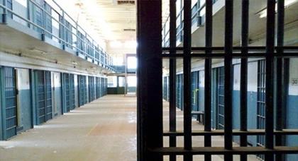 إدارة السجون: محامي حرض أحد معتقلي حراك الريف على التظاهر بالإغماء داخل المحكمة