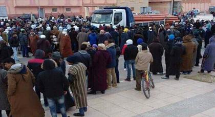اندلاع احتجاجات بمدينة تندرارة بعد دهس شاحنة لطفل والقوات العمومية تتدخل لتفريق المحتجين