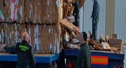 مليلية.. العثور على نصف طن من مخدر الشيرا داخل مقطورة شاحنة مركونة بميناء المدينة