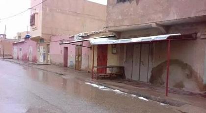 احتجاج الشرق.. ساكنة تندرارة تخوض إضرابا عاما يشل المدينة عقب احتجاجات عارمة