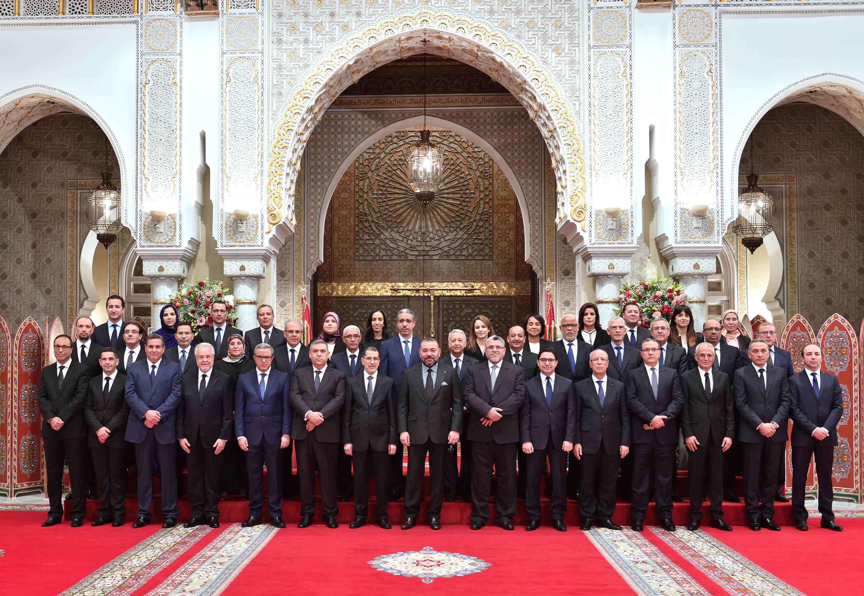 الملك يستقبل بالقصر الملكي بالدار البيضاء الوزراء الخمسة الجدد ويعينهم أعضاء بالحكومة