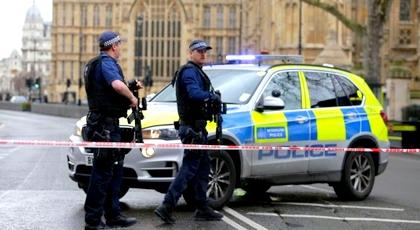 عبوة مشبوهة تتسبب في إغلاق ساحة شهيرة وسط لندن وإجلاء 1450 شخصا