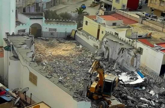 وزارة الأوقاف تشرع في هدم المسجد الذي قاطع فيه الزفزافي خطيب الجمعة لهذا السبب