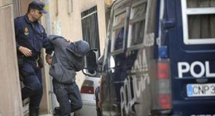 الشرطة الاسبانية تعتقل مغربيا بتهمة الاشادة بالارهاب و التحريض على فعله