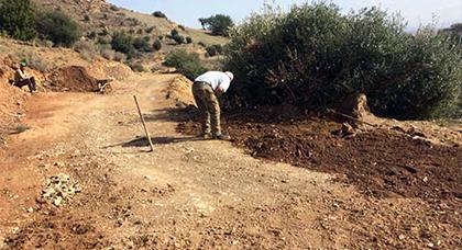جمعية ثراعكشة للتنمية والبيئة تبادرلإصلاح وتوسيع الطريق القروية الرابطة بين دواري ثراعكشة وتحدوست