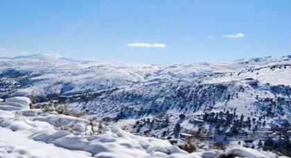 طقس الثلاتاء: استمرار انخفاض درجات الحرارة وتساقط الثلوج بالريف