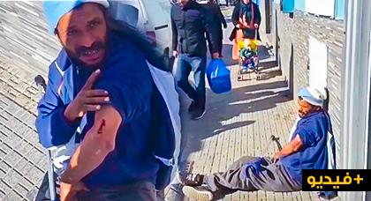 """نقل """"معاق"""" مغربي إلى مستشفى مليلية بعد تعرضه للضرب بواسطة هراوة على يد شرطي إسباني"""