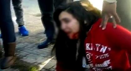 """بسبب مراهق.. تلميذة """"تشرمل"""" وجه زميلتها القاصر بـ """"زيزوار"""" أمام مؤسسة تعليمية"""