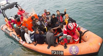 البحرية الاسبانية تنقذ 55 مهاجرا سريا عرض السواحل الاندلسية