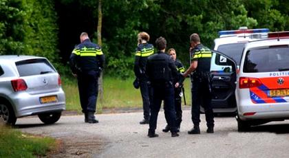 بعد مقتله في 2015.. الأمن الهولندي يعتقل 3 مشتبه بهم في قتل مهاجر مغربي رميا بالرصاص أمام منزله