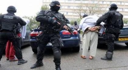 إغلاق عدة مساجد والإعلان عن إفشال مخططات إرهابية بفرنسا