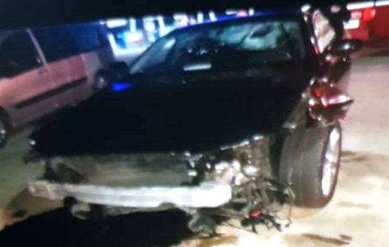 بالصور.. هكذا تحولت سيارة الأمين العام للحركة الشعبية الفاخرة بعد الإعتداء عليه بالطريق السيار
