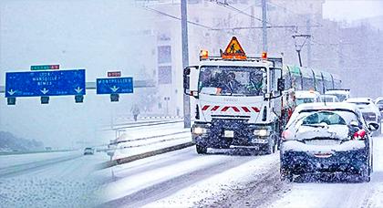 الثلوج تغطي مدن الجنوب الفرنسي ومطار مونبوليه يلغي جميع رحلاته من وإلى المغرب