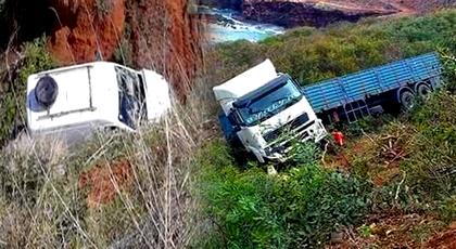 الرياح القوية بالدريوش تتسبب في حادثتين خطيرتين على الطريق الساحلية بين الحسيمة والناظور