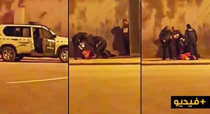 """اعتداء """"همجي"""" لعناصر الحرس الإسباني على ممتهن للتهريب المعيشي بباب سبتة ومحاولة سلبه بطانية بالقوة"""
