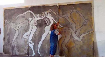 وزارة الثقافة تمنع فنانة تشكيلية من عرض لوحاتها بسبب رسوم جنسية