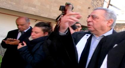 انطلاق محاكمة بوعشرين.. زيان يشتبك بالأيدي مع محامي المشتكيات والقاضي يرفع الجلسة