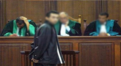 سابقة في التاريخ.. المحكمة الادارية تلزم مؤسسات الدولة باستعمال الامازيغية والعربية