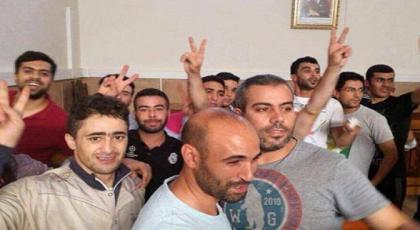 """بعد سجن ثلاثة إخوة في ملف حراك الحسيمة.. الشرطة تداهم منزل """"العنابي"""" لاعتقال شقيقهم الرابع"""
