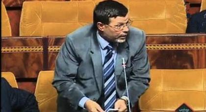برلماني كاعي.. يتهم زملائه بنسيان قضية الصحراء ومعاقرة المشروبات وقضاء السهرات أثناء سفرياتهم