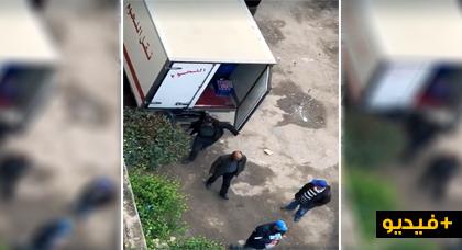 """فضيحة بالفيديو... موظفو مجلس جماعي يوزعون """"يوغورت"""" وحليب موجه للفقراء فيما بينهم"""