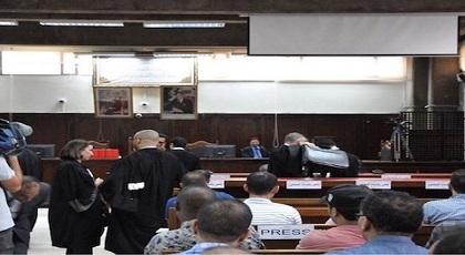 حزن يخيم على المحكمة والزفزافي ورفاقه يقرؤون الفاتحة والقاضي يرفع الجلسة