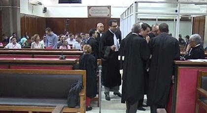 محامي الزفزافي يطرح سؤالا محرجا على الشاهد والنيابة تعترض والقاضي يرفع الجلسة