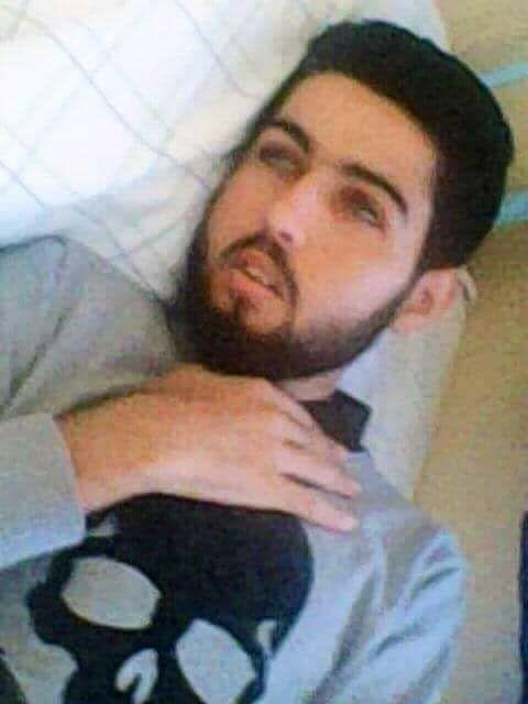 نشطاء يطلقون نداء لمساعدة طالب من الحسيمة مصاب بمرض نادر لنقله إلى المستشفى الجامعي