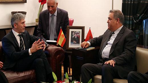 وزير الداخلية الاسباني و لفتيت يلتقيان للتشاور بشأن السياج الشائك بين الناظور ومليلية