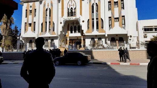 منح السراح المؤقت لرئيس جماعة تاغزوت المتهم بزراعة الكيف في الحسيمة